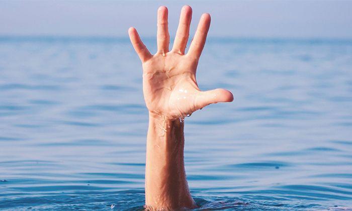 Havuz Kenarında Yapılan Şaka Genç Kızı Az Kalsın Canından Ediyordu - 1