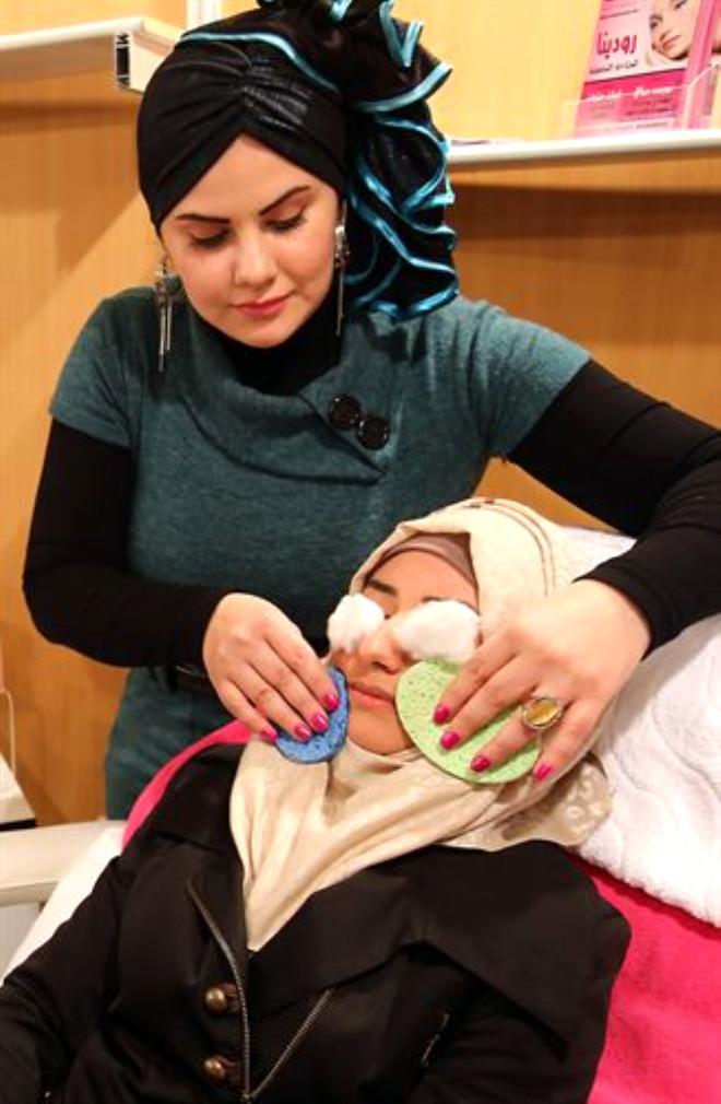Kadın Fotoğrafçılar Arap Kadınlarının Kimlik Arayışını Fotoğrafladılar! - 1
