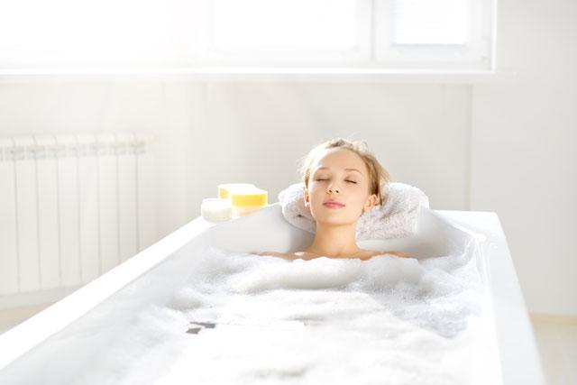 Kısa Duşlarla Geçiştirmek Yerine Banyo Yapın! Sağlığa Faydaları Saymakla Bitmiyor! - 1