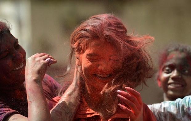 Demet Akbağ Happy Holi Festivali'nde! - 1