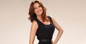 Pınar Altuğ Güneşlenirken Objektiflere Yakalandı!