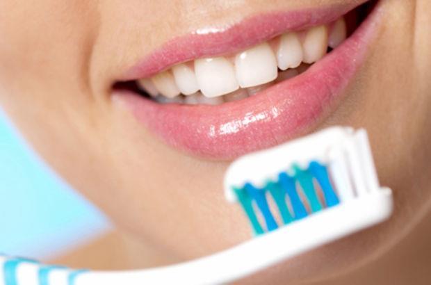 Diş Fırçasının İlginç Kullanım Alanları! - 1