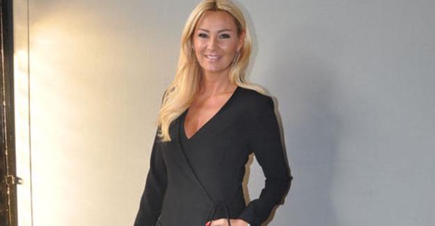Pınar Altuğ Kocasıyla Fotoğrafını Paylaştı, Gelen Yorumlar Sonrası Sinir Krizi Geçirdi! Hakaretlere Dayanamayan Pınar Altuğ, Öyle Bir Şey Yaptı ki... - 1