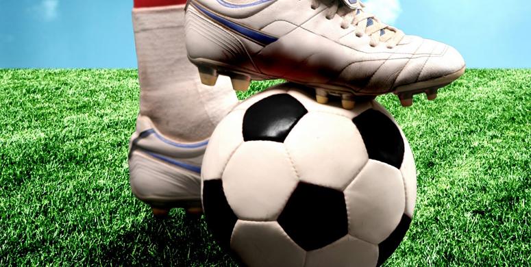 Rus Futbol Hakemi Ekaterina Kostyunina Sosyal Medyayı Salladı - 1