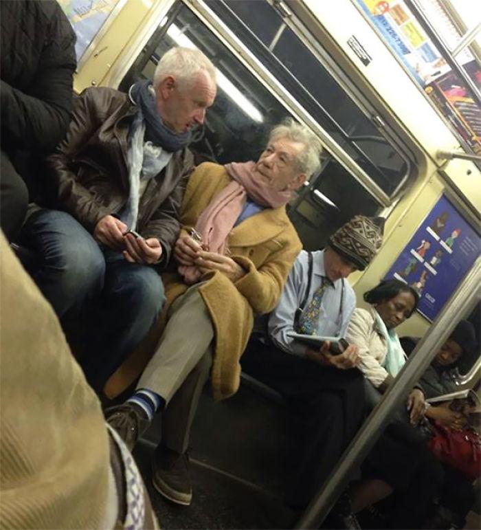 Metro Trenlerinde Ortaya Çıkan İlginç Kareler... - 1