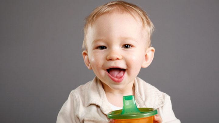 1 Yaşını Doldurmamış Çocuğunuza Mevye Suyu İçirmeyin! - 1