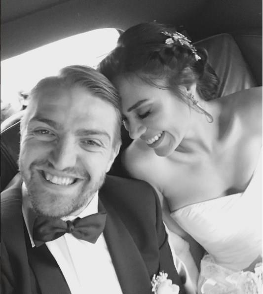 Yurt Dışında Evlenen Ünlüler! - 1