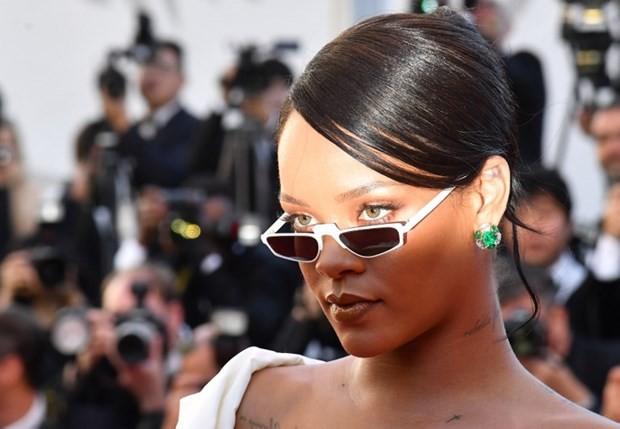 Rihanna, Kilosuyla İlgili Yapılan Yorumlara Tokat Gibi Cevap Verdi! - 1