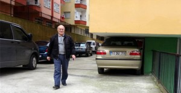 Rizeli Şoför Arabasını Öyle Bir Yere Park Etti ki Görenler İnanamadı! - 1