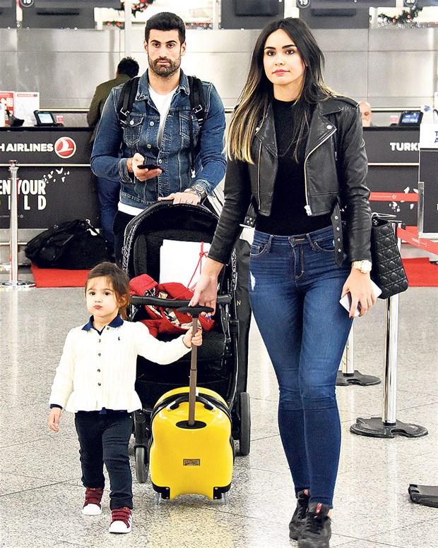 Volkan Demirel ve Zeynep Sever'in İkinci Bebeğinin Cinsiyeti Belli Oldu! - 1