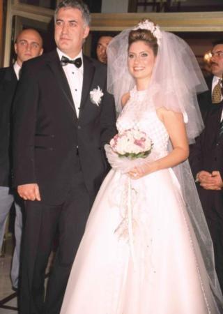 Evliliği İhanet Yüzünden Biten Ünlüler! - 1