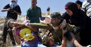 İsrail Askerleri Mescid-i Aksa'da Terör Estirmeye Devam Ediyor!