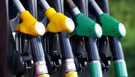 Benzin Fiyatları Hayrete Düşürdü