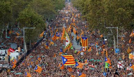 Ayrılıkçı Katalanlardan Brüksel'de Protesto!