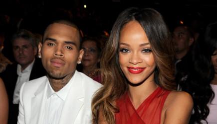 Chris Brown Rihanna Hayranlarının Saldırısına Uğradı!