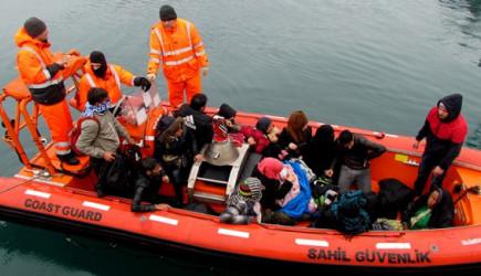 Edirne'de Kaçak Ve Sığınmacılardan Oluşan 207 Kişi Yakalandı