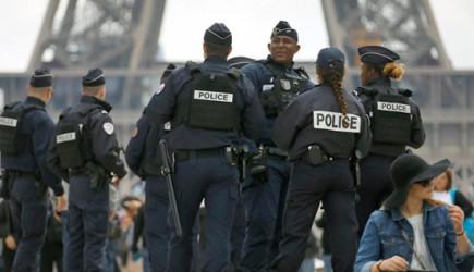 Fransa'da Skandal! Hayat Durdu