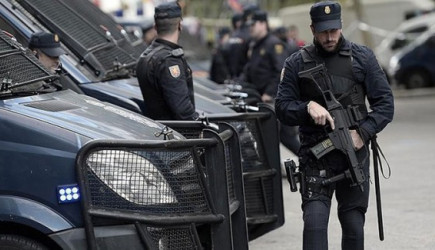 İspanya Jandarmasından Katalonya'da Operasyon!