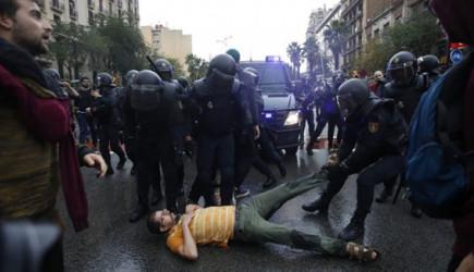 İspanya Polisinden Orantısız Güç! 337 Yaralı