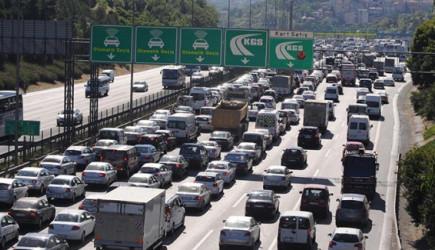 İstanbul Trafiği Kilit! İşte Önerilen Alternatif Yollar