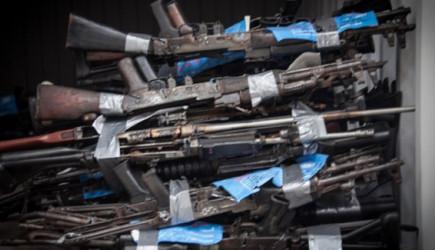 Kolombiya'dan BM'ye 9 Bin Silah!