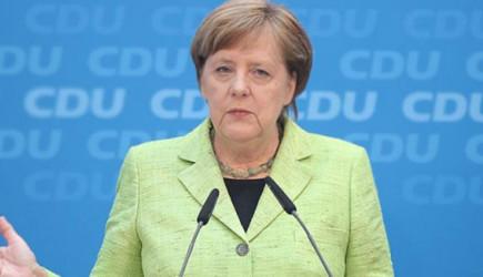 Merkel ABD'ye Rest Çekti!