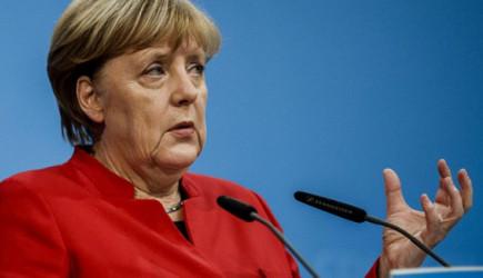 Merkel'den AB'ye Mülteci Sitemi!