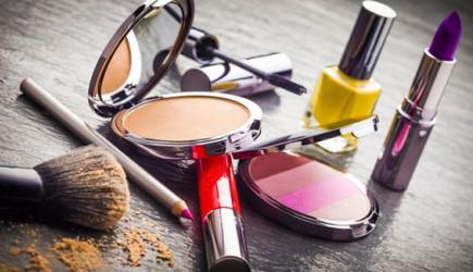 Pahalısından Ucuzuna Kozmetik Malzemelerinin İçeriğindeki Büyük Tehlike!