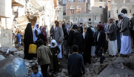 Suudiler Yemen'de Polis Kampını Vurdu!