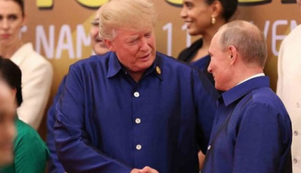 Trump Ve Putin Vietnam'da Bir Araya Geldi!