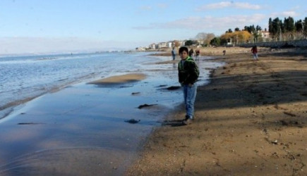Yalova'da Deniz Çekildi, Kayıklar Karaya Oturdu