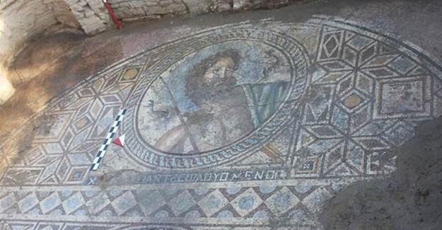 Adana'da 2 Bin Yıllık Mozaik Bulundu! Üzerindeki Tasvirlere Dikkat