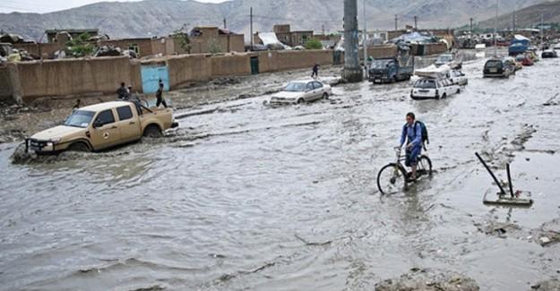 Afganistan'daki sel felaketi 800 evi yıktı