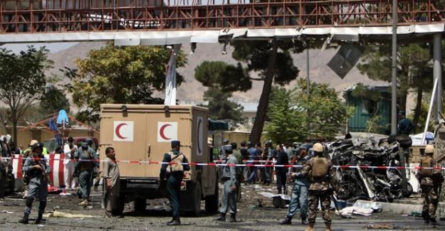 Akaryakıt tankeri otobüslere çarptı: 73 ölü, 13 yaralı!