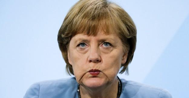 Almanya'dan Üç Hilalli Bayrağa Yasak Kararı!
