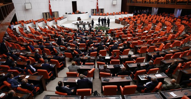 Anayasa Teklifinin Cumhurbaşkanlığı Seçimini Düzenleyen 7. Maddesi Kabul Edildi