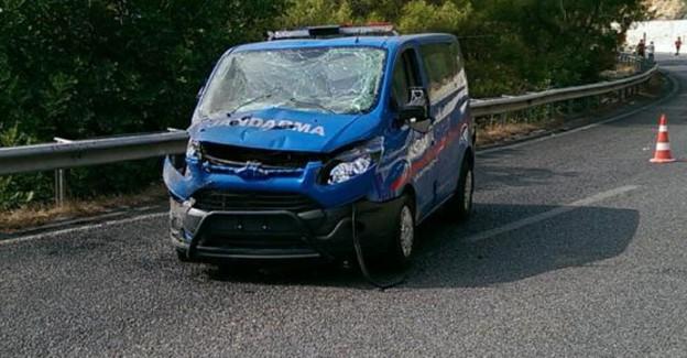 Antalya'da Askeri Araca Saldırı; Yaralı Askerler Var