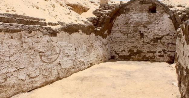 Arkeologlar Şoke Oldu: 3800 Yıllık Resimler Bulundu!