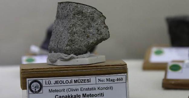 Bilim Dünyası İçin Tarihi Sonuç: Meteorda Yaşam İzi Bulundu!