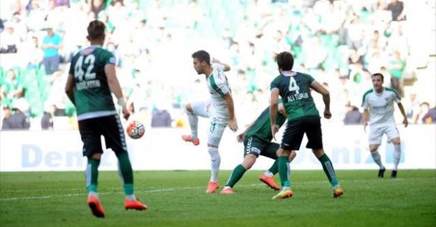 Bursasporlu Oyuncu Bir Günde 2 Maçta Oynadı