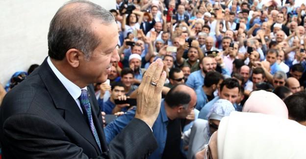 Cumhurbaşkanı Erdoğan Baba Evinde Halka Seslendi