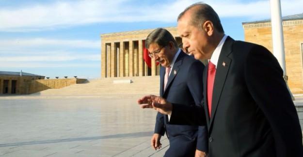 Cumhurbaşkanı Erdoğan ve Davutoğlu Anıtkabir'de