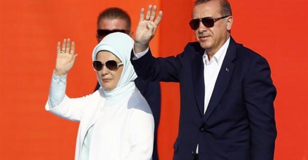 Cumhurbaşkanı Erdoğan'ın Yenikapı'dan Paylaştığı Tarihi Kare