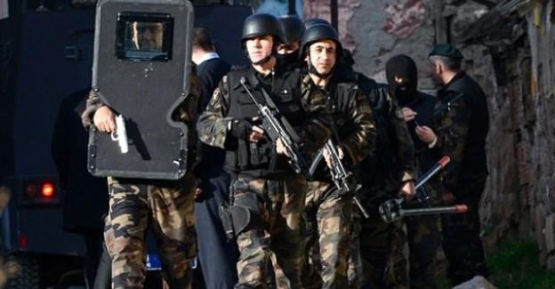 İstanbul'da DHKP-C Toplantısı Basıldı! Çok Sayıda Yönetici Yakalandı