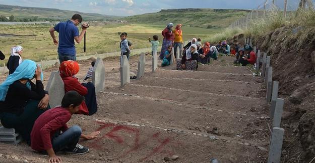 Diyarbakır'daki Katliamı Kahkahalarla Kutladılar!