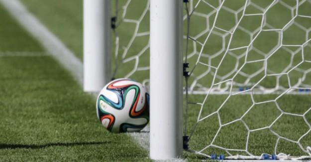 Dünya Futbol Tarihinde İlk Kez Oldu