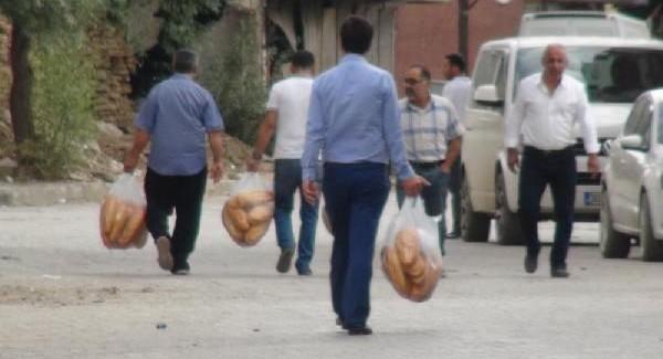 Ekmek Almak İçin Fırınlara Koştular