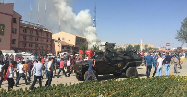 Sözün Bittiği Yer: Elazığ'daki Patlamanın Şiddeti Fotoğraf Karelerinde