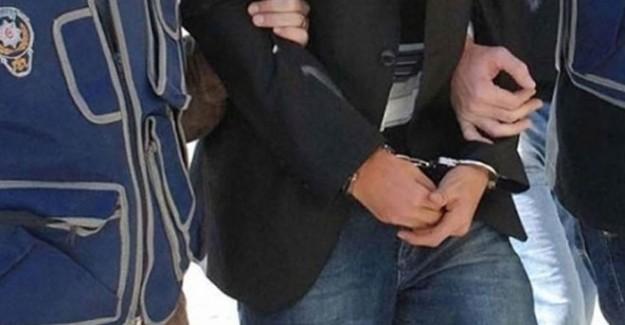 Eski Zaman Gazetesi Yazarı Gözaltına Alındı