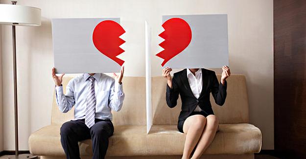 Evliliğinizin Bitmesini İstemiyorsanız Bu 4 Davranıştan Uzak Durun!